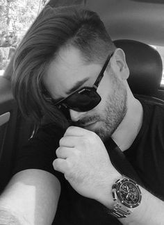 Looking for the best & trendy medium length hairstyles and haircuts for men? Believe me, you're gonna love these hairstyles & haircuts for Trending Hairstyles For Men, Cool Hairstyles For Men, Cool Haircuts, Hairstyles Haircuts, Haircuts For Men, Medium Hairstyles, Short Hair Lengths, Short Hair Styles, Alternative Hair