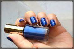 lakier do paznokci?-bo piękno tkwi w szczegółach. i chyba znów wybiorę niebieski...:D