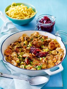 Blitzschnelle Jägerpfanne Our popular recipe for Lightning Fast Hunter Pan and over more free recipes on LECKER. Healthy Eating Tips, Healthy Baking, Healthy Recipes, Low Carb Chicken Recipes, Pasta Recipes, Good Food, Yummy Food, Tasty, Lunches And Dinners