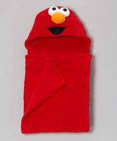 Elmo makes everything better, even baths. This adorable wrap boasts plush, super-soft fabric that will soak up the wetness like Elmo doles out the laughs. 100% polyesterMachine wash; tumble dryImported
