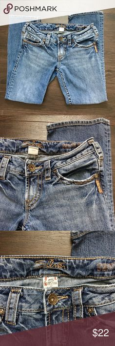Silver Jeans Size 26 Womens Silver Jeans. Size 26. Inseam measures 25 inches. EUC. Silver Jeans Jeans Straight Leg