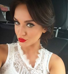 Vicky Pattison - this woman is not only gorgeous on tv, but gorgeous in person, met her at the #professionalbeautyshowlondon after buying her spray tanning equipment. Very lovely, kind and fun to be around!