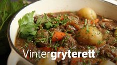 Kjøtt i vintermørket - minimaldesign. Norwegian Food, Fennel Seeds, Different Recipes, Slow Cooker, Nom Nom, Food Porn, Food And Drink, Cooking Recipes, Tasty