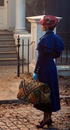 Supercali-Fabulous: Disney Reveals Fist Look At Emily Blunt As Our Favorite Nanny In 'Mary Poppins Returns'