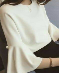 I love this flare sleeved blouse with pearl details - it's so fashionable whilst still being very office appropriate. Definitely my kind of corporate dress! Trend Fashion, Womens Fashion, Fashion Design, Fashion News, Blouse Styles, Blouse Designs, Casual Mode, Casual Outfits, Cute Outfits