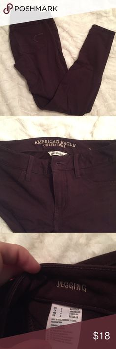 NWOT jeggings burgundy/eggplant and never worn American Eagle Outfitters Pants