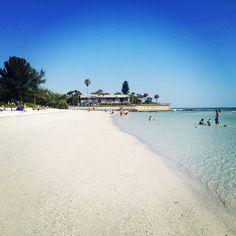 Crescent beach on Siesta Key, FL - point of rocks