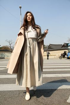 Pin by marya emelyanova on hanbok vestiti Seoul Fashion, Korea Fashion, Asian Fashion, Hijab Fashion, Fashion Outfits, Modest Fashion, Korean Traditional Clothes, Traditional Fashion, Traditional Dresses