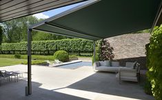 Pergola, parasol and awning suppliers in Lincolnshire, Cambridgeshire, Nottinghamshire; The pergola will be catered to your exact needs. Bache Pergola, Toile Pergola, Pergola Alu, Outdoor Living, Outdoor Decor, Backyard, Patio, Simple Colors, Houses