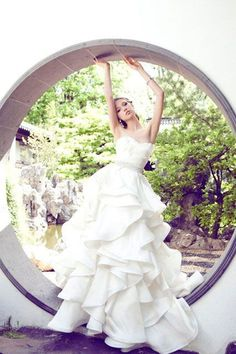 YUMI KATSURA!日本が誇る桂由美のウェディングドレスブランド♡にて紹介している画像