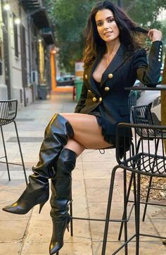 It's free dating site no credit card needed. Sexy Legs And Heels, Sexy Boots, High Boots, Sexy Older Women, Sexy Women, Style Feminin, Botas Sexy, Girls In Mini Skirts, Femmes Les Plus Sexy