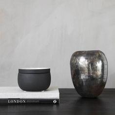 Ivy Storage With Lid 40cl, Sand £10. - RoyalDesign.co.uk
