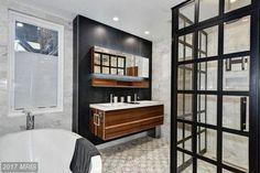 Unique Ways to Decorate a Bathroom Mirror Frame Coastal Shower Doors, Cheap Mirrors, Electric Mirror, Shower Mirror, Light Building, Shower Enclosure, Minimalist Interior, Bathroom Interior Design, New Homes