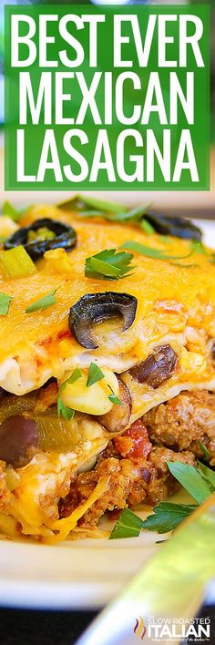 Use zucchini noodles Mexican Lasagna (With Video) Mexican Lasagna Recipes, Mexican Dishes, Meat Recipes, Dinner Recipes, Cooking Recipes, Mexican Lasagne, Recipies, Beef Dishes, Pasta Dishes