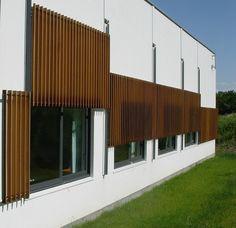 vertically sliding shutter system