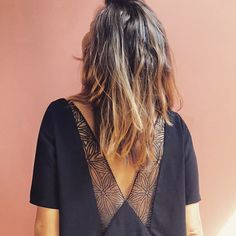 your little black dress and beautiful lace back! Perfect for summer ❣️ in France black dress Source by huetmerciercami Fashion Details, Diy Fashion, Fashion Beauty, Fashion Outfits, Zara Tops, Mode Shop, Couture Tops, Diy Couture, Casual Chic Style