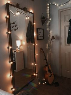 Cute Room Ideas, Cute Room Decor, Teen Room Decor, Room Ideas Bedroom, Bedroom Decor, Bedroom Inspo, 1920s Bedroom, Bedroom Inspiration Cozy, Room Design Bedroom