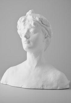 Helene Von #Nostitz, 295 € / © Musée #Rodin, photographer : Jacques Gavard / http://boutique.musee-rodin.fr/en/sculpture-reproductions/208-helene-von-nostitz--3533231000213.html
