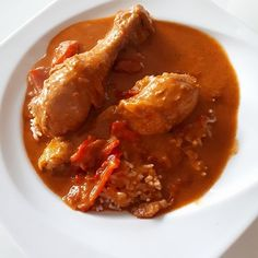 Chicken Wings, Thai Red Curry, Meat, Ethnic Recipes, Food, Hungarian Recipes, Food Portions, Easy Meals, Food Food