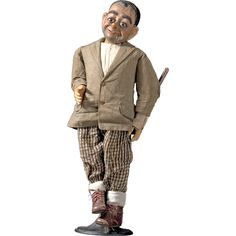 Ventriloquist Dummy USA circa 1920 Ventriloquist Dummy century Hand-made dummy with childrens clothing and shoes. All original. Ventriloquist Puppets, Flotsam And Jetsam, Halloween Doll, Automata, Outsider Art, Vintage Toys, Sisters, Dolls, Usa