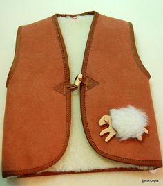 lainedespyrenees Pulls, Saddle Bags, Fashion, Pea Coat, Moda, Fashion Styles, Fashion Illustrations