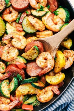 Cajun Shrimp and Sausage Vegetable Skillet is the BEST 20 minute meal packed with awesome cajun flavor with shrimp, sausage, and summer veggies. This makes a great low carb meal and is also great for meal prep! Sausage And Shrimp Recipes, Salmon Recipes, Seafood Recipes, Chicken Recipes, Cajun Sausage, Cajun Shrimp Recipes, Chicken Sausage, Easy Cajun Recipes, Healthy Recipes