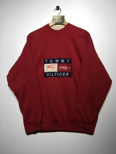 Tommy Hilfiger Sweatshirt X/Large (Fits Oversized) Retro Outfits, Vintage Outfits, Cute Outfits, Tommy Clothes, Retro Sweatshirts, Hoodies, Tommy Hilfiger Sweatshirt, Outfit Combinations, Mode Vintage