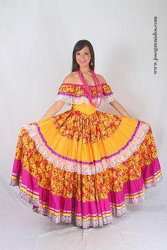 Traje regional de Sinaloa .. Mexican folk dance dress Sinaloa