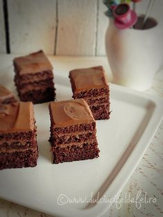 Cake with chocolate cream and mascarpone Romanian Desserts, Romanian Food, Chocolate Cream, Chocolate Cake, Food Cakes, Something Sweet, Cake Cookies, Food To Make, Cake Recipes