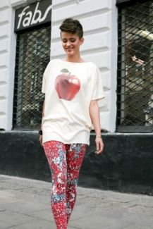 Apple top Red Apple, Sporty, Animal, Tops, Style, Fashion, Swag, Moda, Fashion Styles