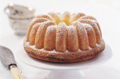Tvarohová bábovka | Apetitonline.cz Czech Recipes, Bunt Cakes, Pound Cake, Apple Pie, Food Hacks, Amazing Cakes, Sweet Recipes, Sweet Treats, Food And Drink