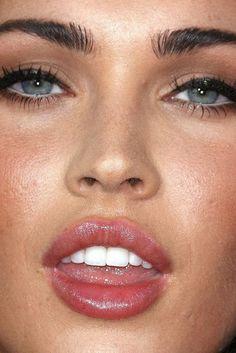 realeyesrealizereallies: Photo White Eyeliner Makeup photo realeyesrealizereallies Red Lipstick Makeup Blonde, White Eyeliner Makeup, Bright Red Lipstick, Makeup For Brown Eyes, Eyeshadow Makeup, Megan Fox Pictures, Makeup Themes, Blending Eyeshadow, Black Girl Makeup