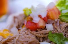 Kalua Pig (Kalua Pork) 10 Authentic Hawaiian Recipes To Rock Your Next Luau Pulled Pork Recipe Slow Cooker, Pulled Pork Recipes, Slow Cooker Recipes, Cooking Recipes, Crockpot Recipes, Hawaiian Dishes, Hawaiian Recipes, Hawaiian Luau, Luau Food