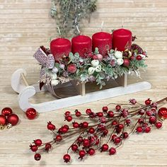 Adventní svícen na sáňkách Christmas Wreaths, Holiday Decor, Home Decor, Xmas, Decoration Home, Room Decor, Home Interior Design, Home Decoration, Interior Design