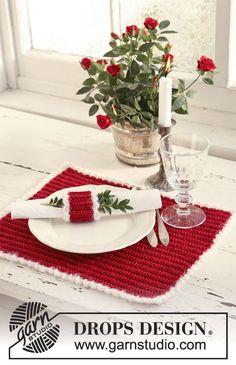 """Virkattu DROPS ruoka-alusta ja lautasliinanpidike jouluaamiaista varten """"Cotton Viscose""""- ja """"Symphony"""" -langoista. ~ DROPS Design"""