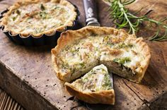Nor'East Lobster Bake Quiche Baked Quiche Recipe, Lobster Quiche Recipe, Lobster Bake, Quiche Recipes, Breakfast And Brunch, Quiches, Eggs Good Or Bad, Low Carb Köstlichkeiten, Fish Pie
