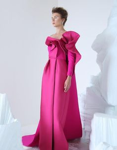 Azzi and Osta Couture Autumn/Winter Collection Source Couture Fashion, Runway Fashion, Couture Dresses, Fashion Dresses, Evening Dresses, Prom Dresses, Couture Collection, Beautiful Gowns, Dress To Impress