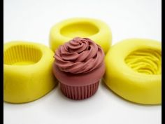 Learn how to make your own 3 part cupcake mold :D Link to mini oven: http:& Link to my other cupcake tutorial: http:& Polymer Clay Cupcake, Fimo Polymer Clay, Cupcake Mold, Polymer Clay Miniatures, Dollhouse Miniatures, Food Mold, Cupcake Tutorial, Clay Tutorials, Miniature Tutorials
