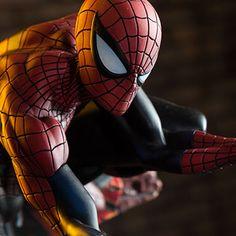 Marvel Spider-Man Classic Polystone Statue