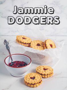 Healthy Vegan Desserts, Vegan Dessert Recipes, Healthy Treats, Vegan Food, Jammie Dodger Recipes, Homemade Jammie Dodgers, Biscuit Recipes Uk, Jam Sandwiches, Vegan Pudding