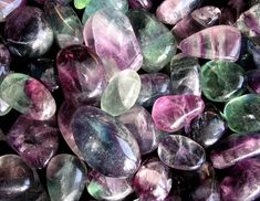 popular crystals for healing, how do healing stones work, what powers do healing crystals have, what is the meaning of healing crystals, how crystals work Healing Stones, Crystal Healing, Nagel Tattoo, Interior Design Website, Stone Work, Crystals And Gemstones, Blueberry, Amethyst, Magazine