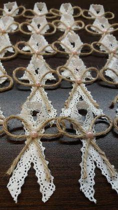 Wedding Cards, Diy Wedding, Rustic Wedding, Wedding Day, Craft Stick Crafts, Diy And Crafts, Decoration Communion, Anniversary Crafts, Coin Couture
