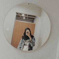 Modern Hijab Fashion, Hijab Fashion Inspiration, Muslim Fashion, Casual Hijab Outfit, Hijab Chic, Korean Photo, Cute Muslim Couples, Girls Mirror, Cute Korean Girl