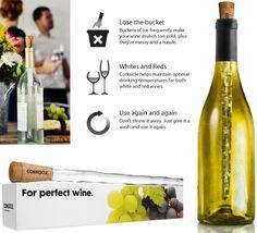 O Corkcicle gela o vinho por dentro da garrafa, sem águá-lo, é feito de um plástico livre de BPA e contém um gel de congelamento não-tóxico.