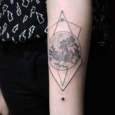 Trabalho realizado pela tattoo artist Jessica Coqueiro, em nossa unidade da Augusta.  #full #moon #harvest #lua #cheia #luacheia #fullmoom #blackwork #sampatattoo #augusta
