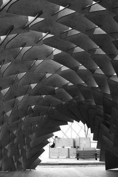 DRAGON SKIN PAVILION  / The Laboratory for Explorative Architecture & Design (LEAD)