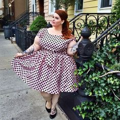 """Dinner in the city wearing the """"Nicolette"""" dress from my friend @nicolettemason @modcloth collection  It's so perfect ✨ #NMxModCloth #tessmunster #effyourbeautystandards"""