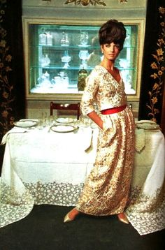 Vintage 1965... a dress for a dinner party. Mad Men style.