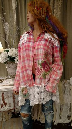 Distressed and bleached. Cute Girl Outfits, Pretty Outfits, Flannel Outfits, Flannel Shirts, Men Shirts, Recycled Dress, Shirt Refashion, Upcycle Shirts, Altered Couture