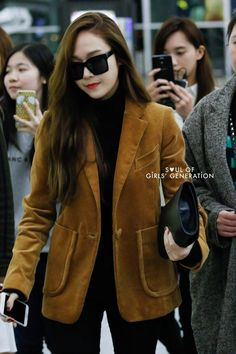 0cb7ac5c2fe3  151211  Jessica at Incheon Airport from Hong Kong Jessica   Krystal